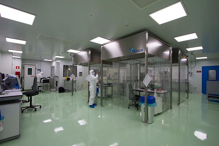 Telstar, Merck, laboratorio biotecnología
