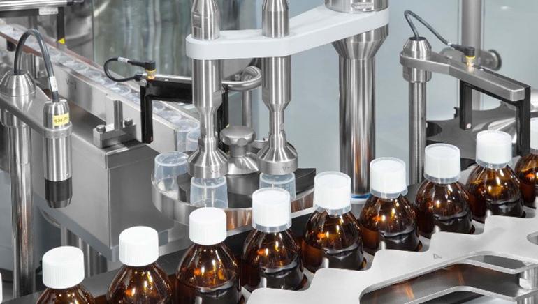 Equipos de alta velocidad para llenado y cerrado de frascos