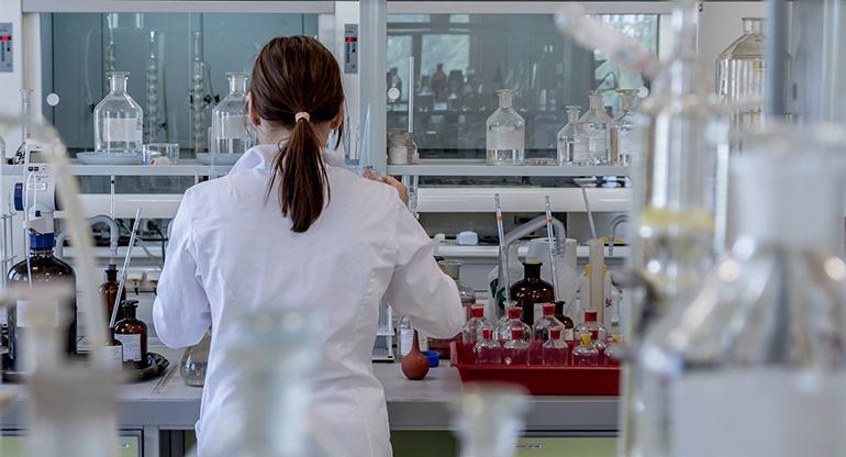 Tecnología para compartir conocimiento en investigaciones oncológicas y en predicciones de tumores