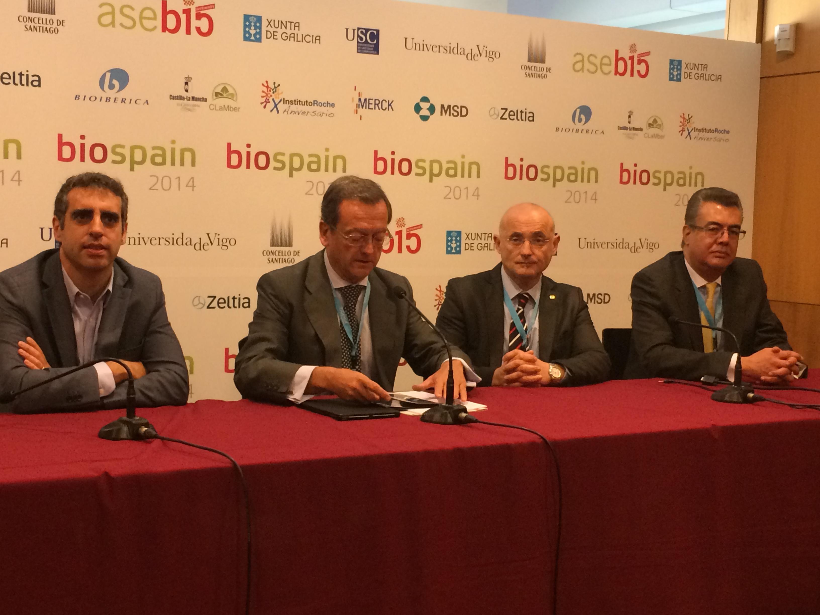 De izda. a dcha.: Manel Esteller, Jaime del Barrio,  Antonio Andreu y Gerardo Jiménez-Sánchez han participado en el foro de medicina personaliza de Biospain 2014