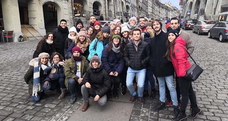 Estudiantes del Máster en Química Farmacéutica de IQS visitan Novartis y Roche en Basilea