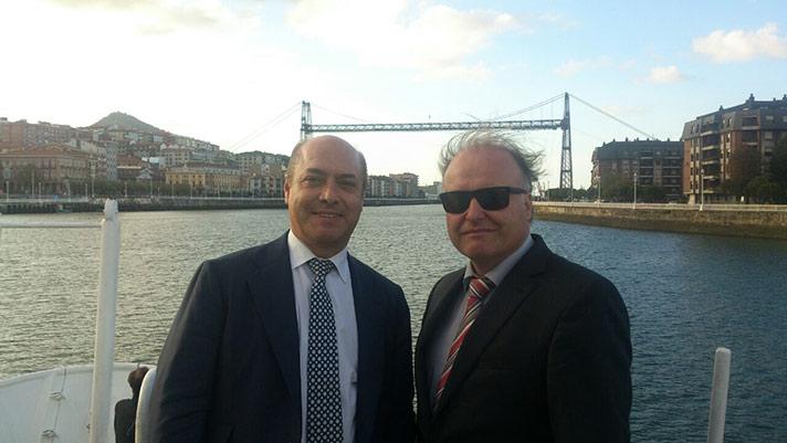 De izda. a dcha.: Iñigo Ingunza y Dr. Kegel Gunther
