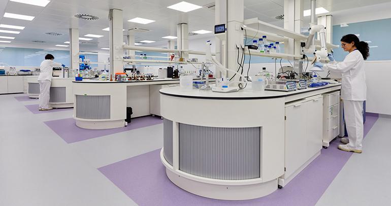 TECNALIA y la UPV/EHU inauguran el primer laboratorio 4.0 de Euskadi para la industria farmacéutica
