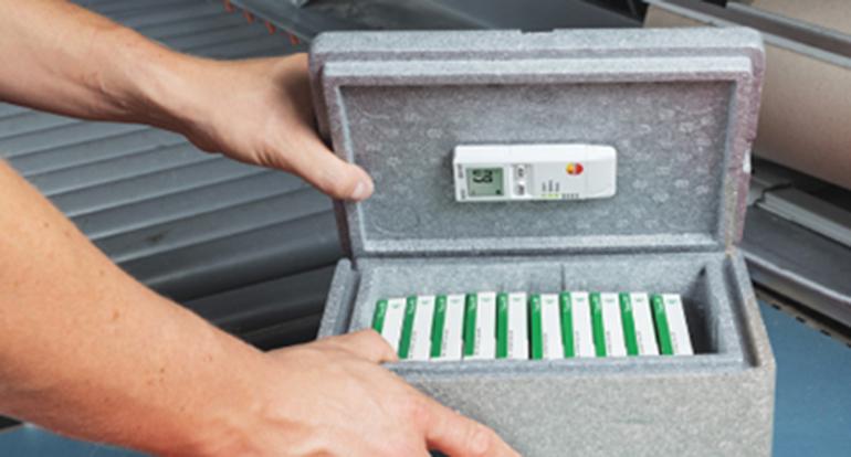 Monitores USB para medir humedad, temperatura y vibraciones en transporte farmacéutico