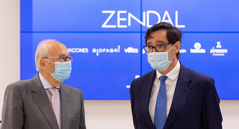 El ministro de Sanidad visita las instalaciones de Zendal en Porriño